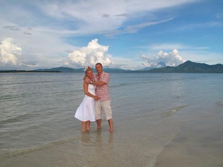 メナド・国立公園ブナケン島でロマンティック・ウェディング