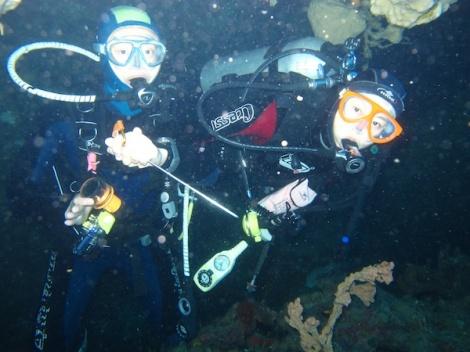 ブナケン島、タワラポイント、洞窟体験、インドネシア